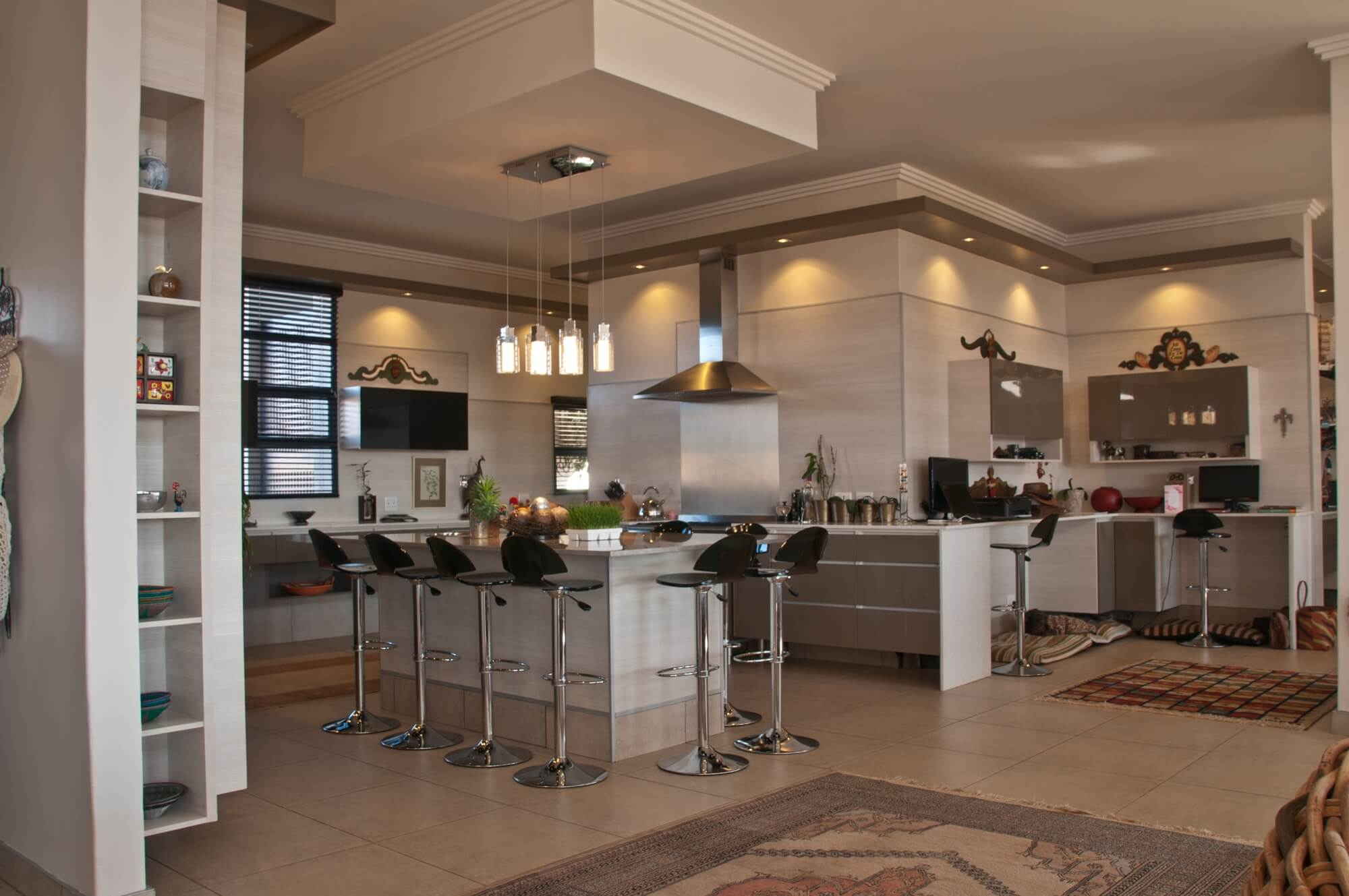 Kitchen design pretoria kitchen frontiers contact us for Kitchen design units