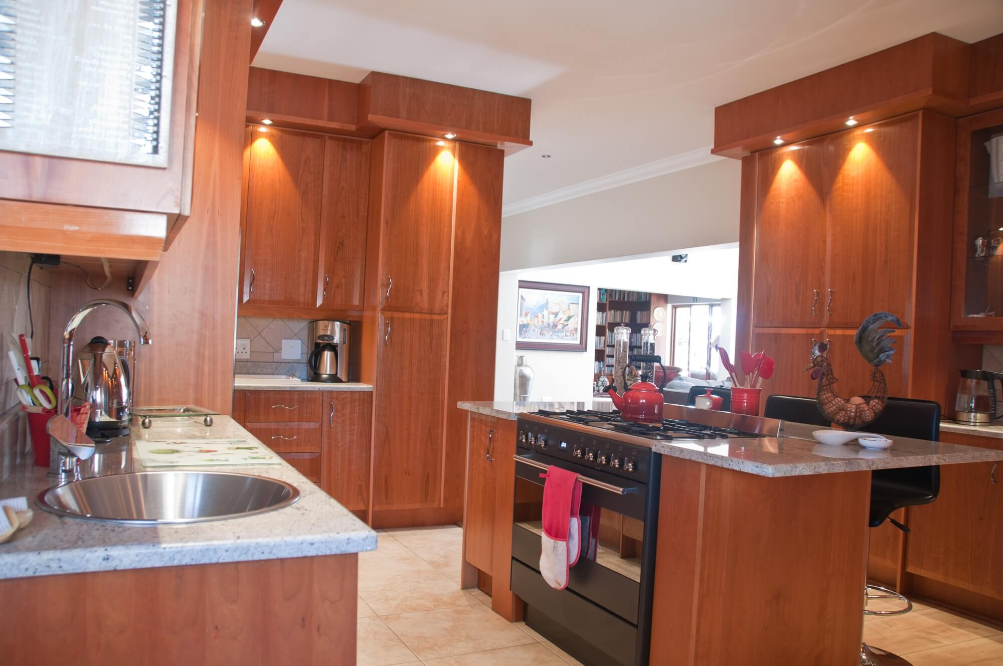 Gallery Kitchen Frontiers