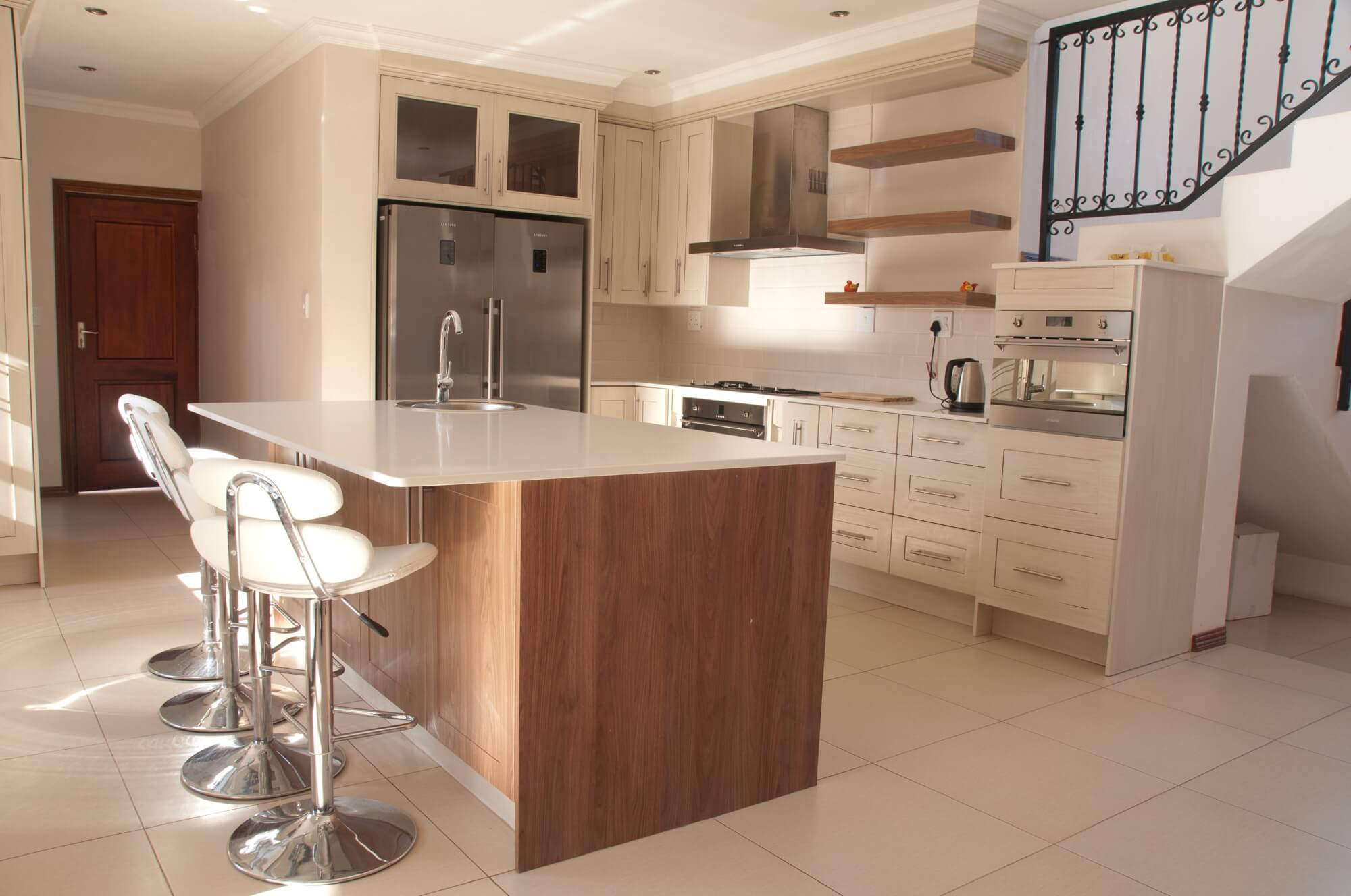 Kitchen design manufacture and installation of kitchens for Kitchen designers in gauteng