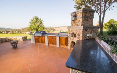 3 Excellent Reasons To Invest In An Outdoor Kitchen